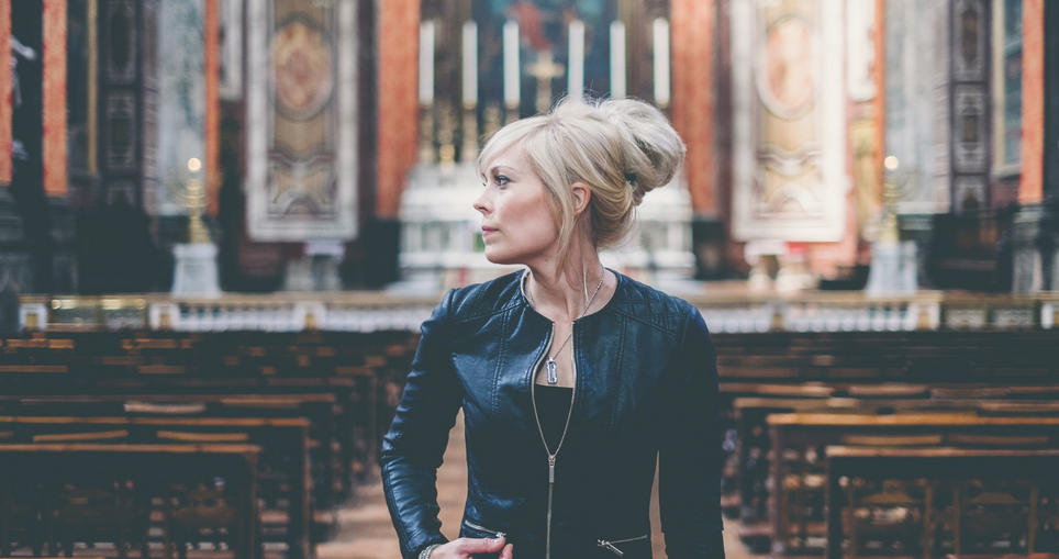 Christian rock star Vicky Beeching comes out as gay - Star